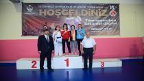 Başkan Oğuz'dan şehitler anısına yarışan sporculara ödül