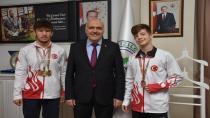Güreşçilerimiz İsmail Hakkı Bostancı ve KemalYurt'tan Başkan Acar'a Ziyaret