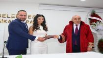"""BAŞKAN ALTINOK BİR GÜNDE """"SOSYAL MESAFELİ"""" 6 NİKÂH KIYDI"""
